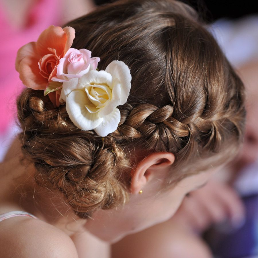 wedding flower girl upstyle | rome wedding team